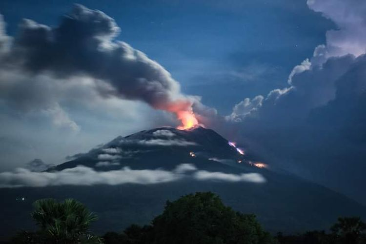 Bekenalan dengan 'Sosok' Gunung Ile Lewotolok