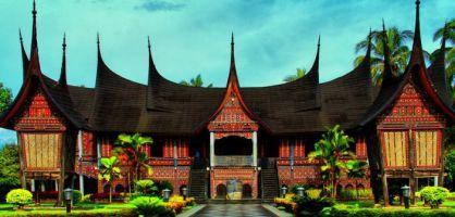 8 Konstruksi Bangunan Tradisional Tahan Gempa
