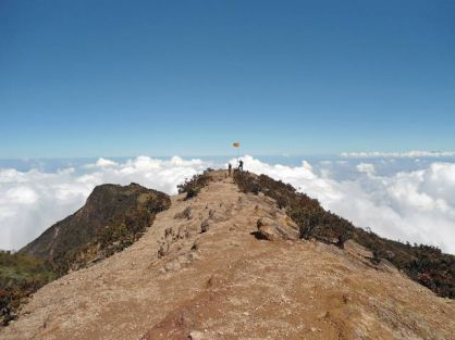 Gunung Lawu : Jejak Misteri Gunung Dasar Laut