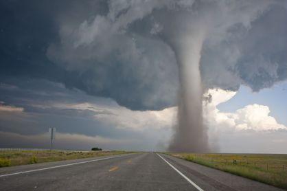 4 Fakta Di Balik Mitos Tornado yang Tersembunyi