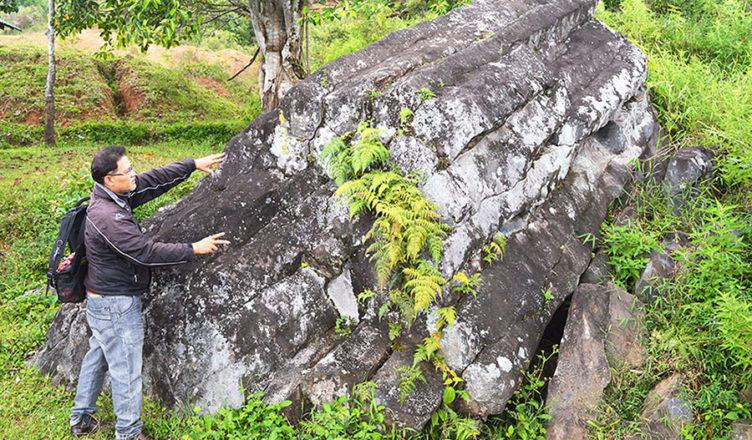 Batu 'Kuno' Peninggalan Letusan Gunung Toba