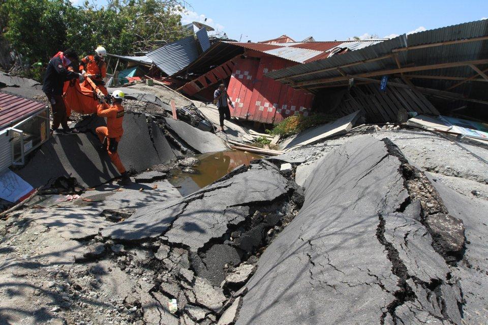Sejarah Peristiwa Gempabumi dan Tsunami Sulawesi Utara