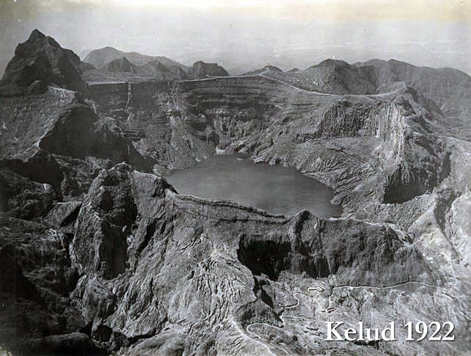 Mengingat Kembali Memori Usang Letusan Gunung Kelud 1900-an