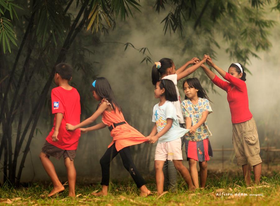 Ulin Pakakas :Permainan Rakyat Berbasis Mitigasi Khas Orang Sunda