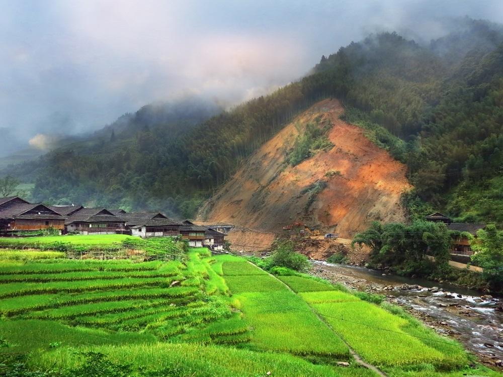 Peringatan Dini Bencana Tanah Longsor